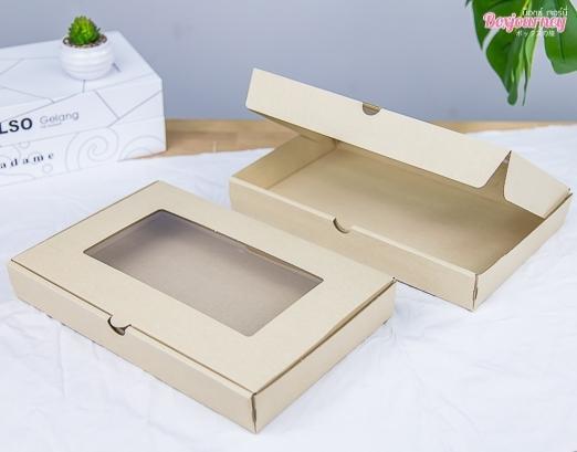 กล่องลูกฟูกพรีเมี่ยม มีหน้าต่าง 20.4x30.4x4.3 cm.