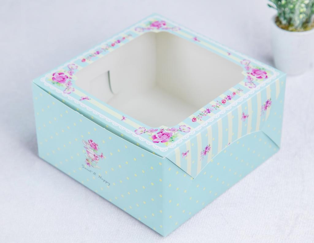 กล่องคัพเค้ก 4 ชิ้น เขียวมิ้นต์ (พร้อมฐาน)
