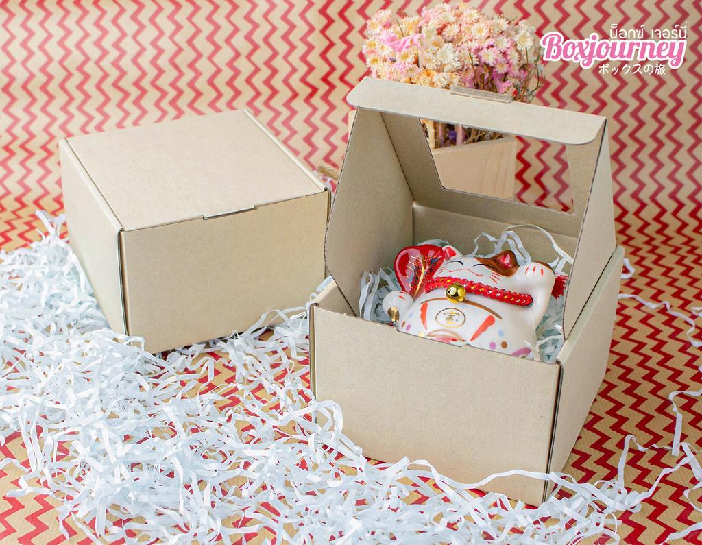 กล่องลูกฟูกอเนกประสงค์ มีหน้าต่าง 12.5x12.5x8.5 ซม.